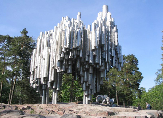 http://www.igotofin.ru/uploads/images/helsinki_monument_1_1.jpg